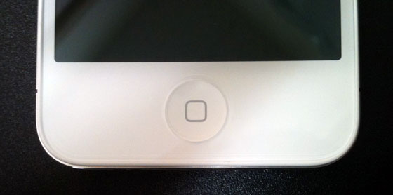 iphone4-white-bought-4reason-homebutton