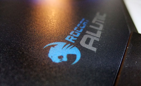 roccat-alumic-review-speed-surface