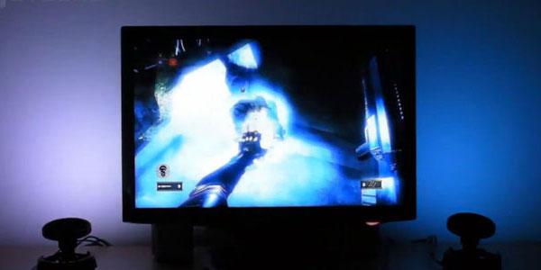 ゲームや動画のシーンに合わせて色を変えてくれる間接照明『Cyborg Gaming Lights』