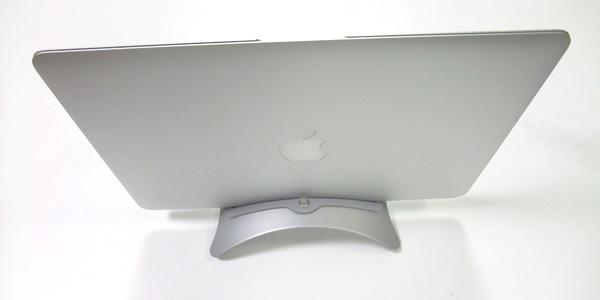 【レビュー】『MacBook Air』を美しく見せるスタンド『BookArc for Air』