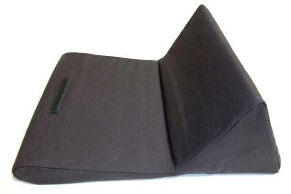 ipevo-padpillow-ipad-stand-review-black-open