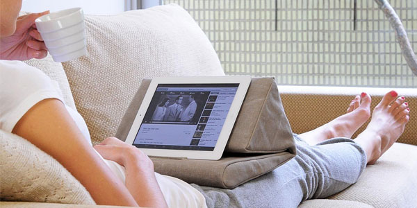 ipevo-padpillow-ipad-stand-review-images-how-to-use
