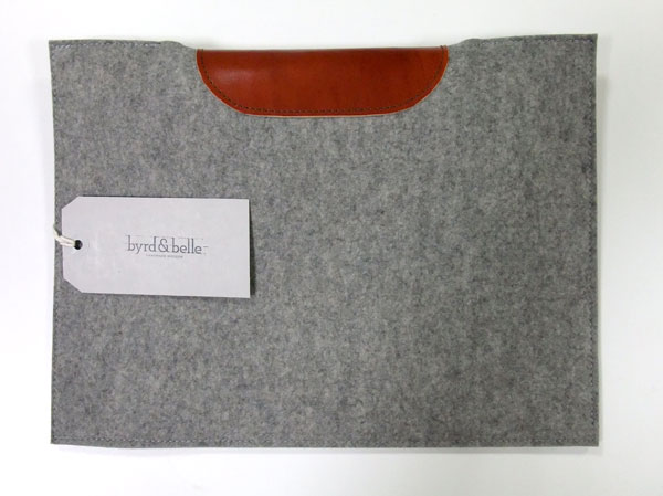 macbook-air-sleeve-body-with-card