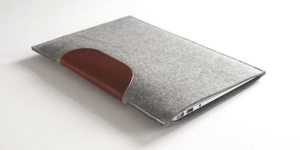 【レビュー】ウール100%の超オシャレで超絶クールなケース『MacBook Air Sleeve』