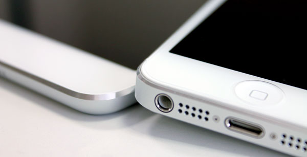 ipad-mini-review-with-iphone5-edge