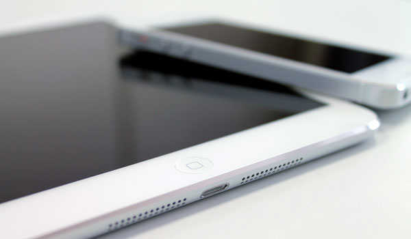 ipad-mini-review-with-iphone5-end
