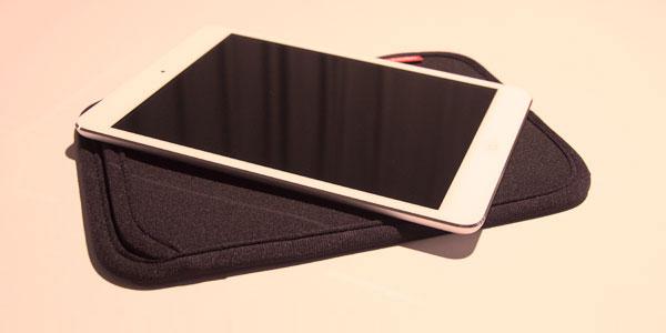 【レビュー】『iPad mini』を裸で使いたい人にオススメ『スリップインケース for iPad mini』