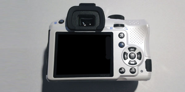 pentax-k30-review-body-display-2