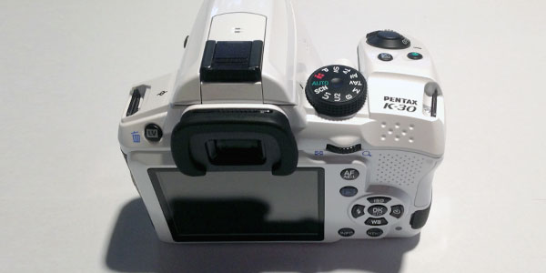 pentax-k30-review-body-display