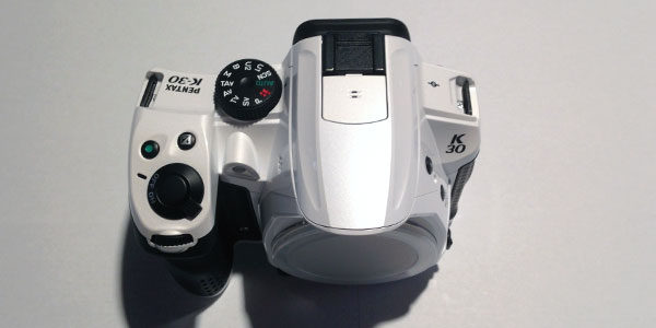 pentax-k30-review-body-top-detail