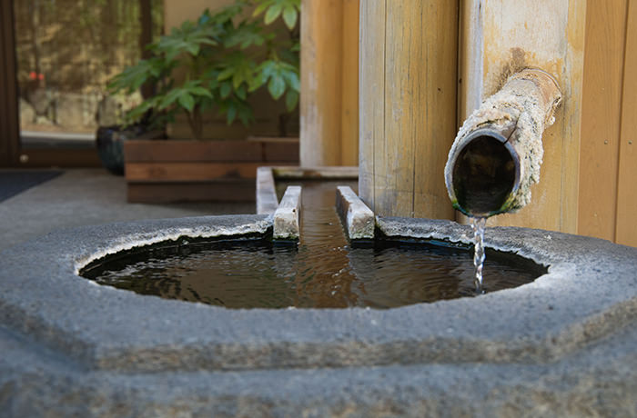 spirited-away-shibu-onsen-footbath-2