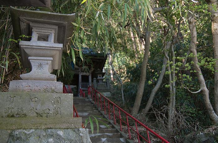 spirited-away-shibu-onsen-temple