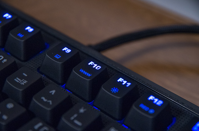 roccat-ryos-pro-review-light-on