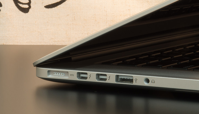 macbook-pro-retina-15-review-left-ports