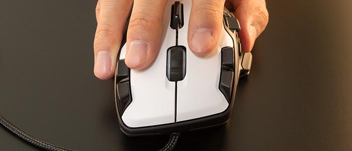 roccat-tyon-review-fit-front-finger
