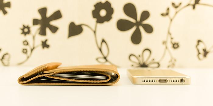 """【レビュー】スマートに財布を持ち歩こう!""""薄さ""""は正義であると感じられる『abrAsus 薄い財布』"""