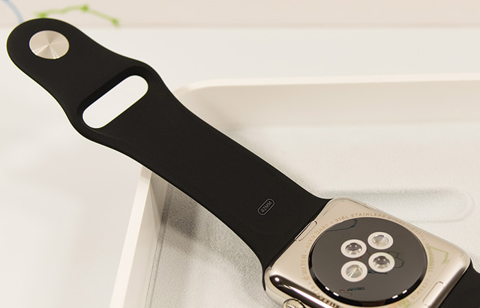 apple-watch-review-band-entire