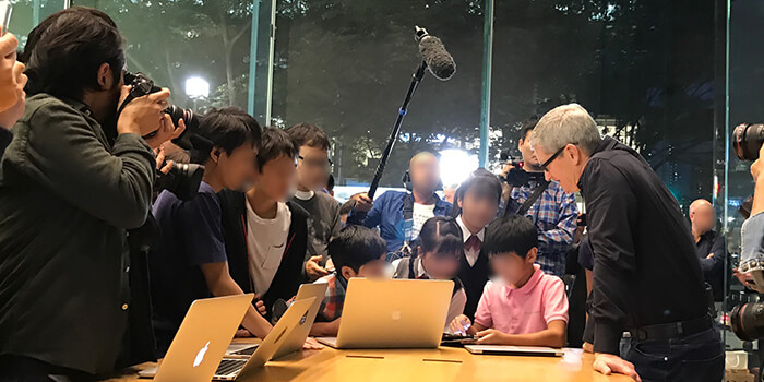 meet-tim-cook-with-children