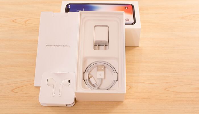 review-iphone-x-package-lightning